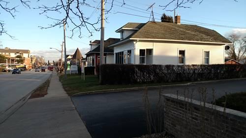 19 W Irving Park, Roselle, IL 60172