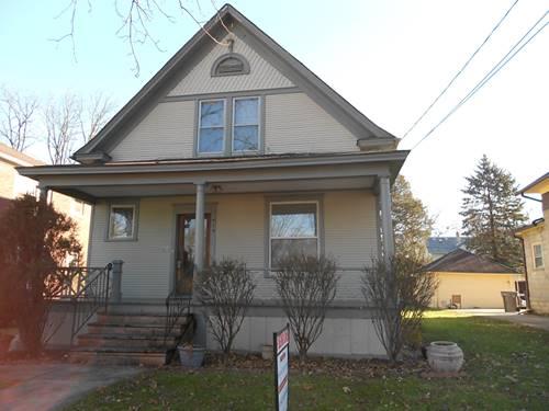 919 Cedar, Elgin, IL 60120