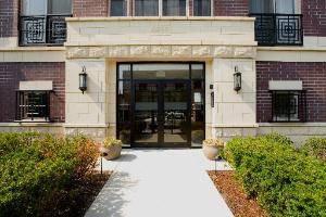 6436 Roosevelt Unit 210, Oak Park, IL 60304