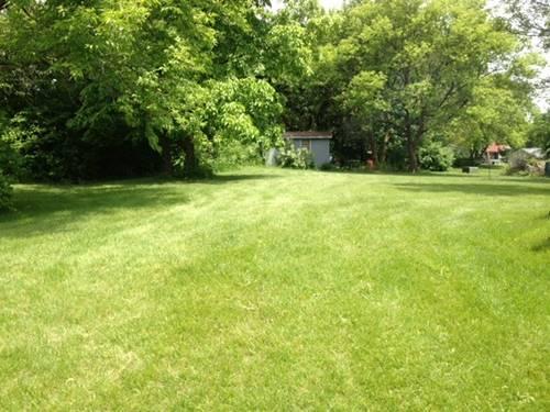 105 Sw Quincy, Poplar Grove, IL 61065
