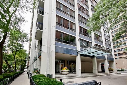 222 E Pearson Unit 2206, Chicago, IL 60611 Streeterville