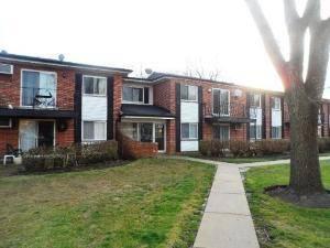 2431 E Brandenberry Unit 1P, Arlington Heights, IL 60004