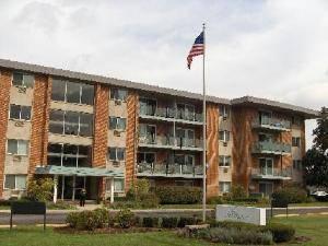 2234 S Goebbert Unit 321, Arlington Heights, IL 60005