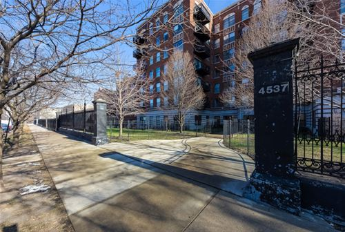 4537 S Drexel Unit 504, Chicago, IL 60653