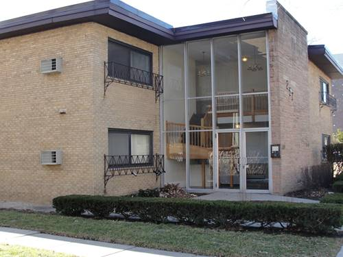 257 Washington Unit 7, Oak Park, IL 60302