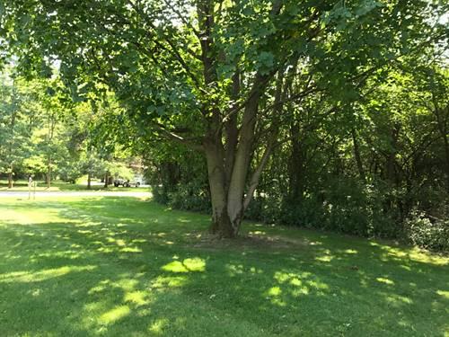 5 W Surrey, Barrington Hills, IL 60010