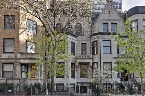 33 E Division, Chicago, IL 60610 Gold Coast