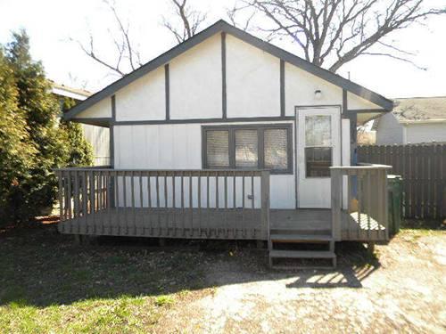 913 Cedar Lake, Round Lake Beach, IL 60073