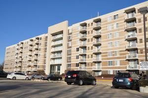 150 W St Charles Unit 317, Lombard, IL 60148