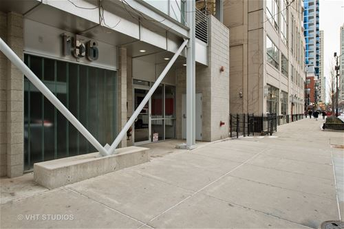 156 W Superior Unit 601, Chicago, IL 60654 River North