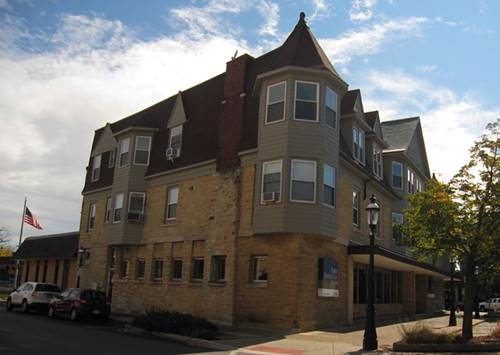 3 E Quincy Unit 3, Riverside, IL 60546