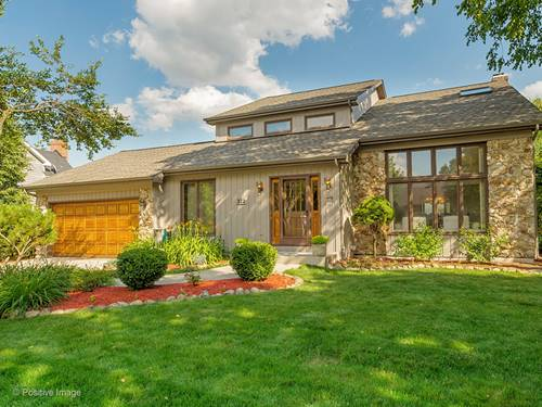 312 Woodside, West Chicago, IL 60185