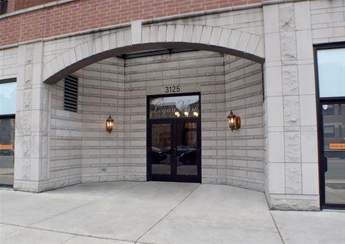3125 W Fullerton Unit 304, Chicago, IL 60647 Logan Square