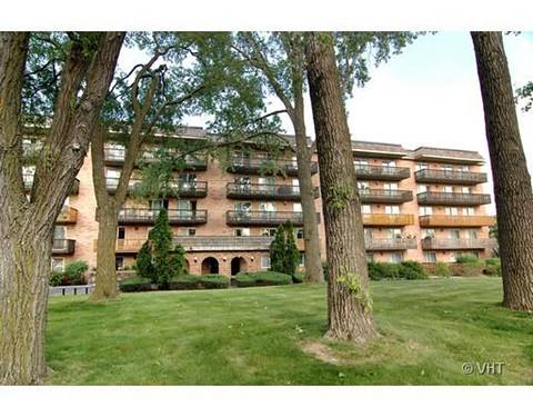 8025 Woodglen Unit 312, Downers Grove, IL 60516
