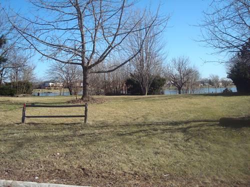2744 Wind Point, Lynwood, IL 60411