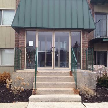 275 Spring Hill Unit 200, Roselle, IL 60172