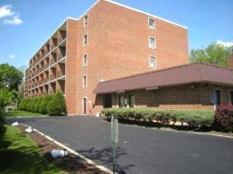 255 S West Unit 110, Elmhurst, IL 60126