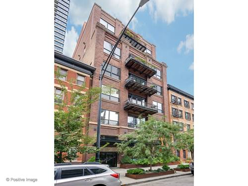 152 W Huron Unit 600, Chicago, IL 60654 River North