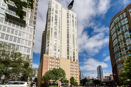 645 N Kingsbury Unit 1609, Chicago, IL 60654 River North