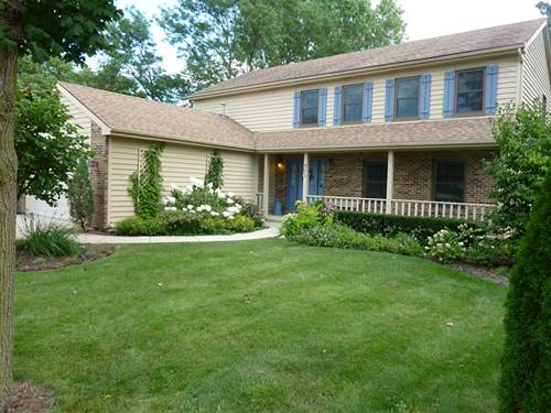 711 Catino, Roselle, IL 60172