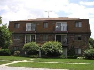 1221 Whispering Hills Unit 3A, Naperville, IL 60540