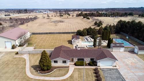 704 N Rose Farm, Woodstock, IL 60098