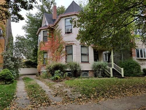 1427 W Belle Plaine, Chicago, IL 60613 Uptown