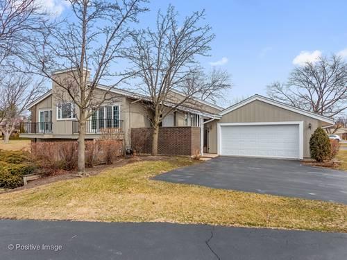 132 Briarwood, Oak Brook, IL 60523
