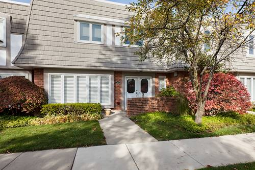 1413 Bordeaux, Highland Park, IL 60035