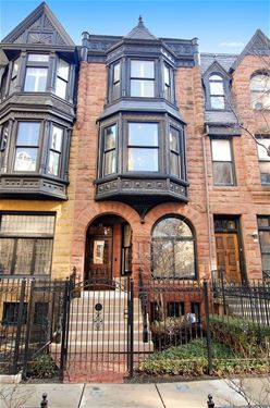 47 E Division, Chicago, IL 60610 Gold Coast