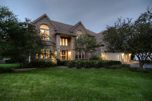3808 King James, St. Charles, IL 60174