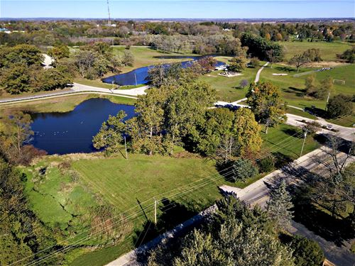 0.92 AC South, Woodstock, IL 60098