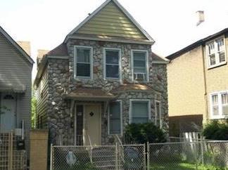 3742 W Sunnyside, Chicago, IL 60625