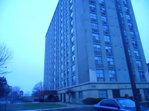 4300 W Ford City Unit A802, Chicago, IL 60652