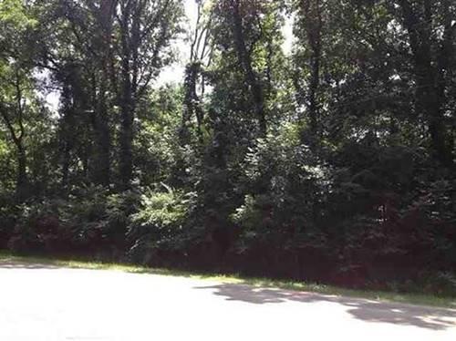 7270 #2 S Ridge, Dixon, IL 61021
