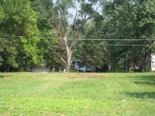 1017 W Wood, Mchenry, IL 60051