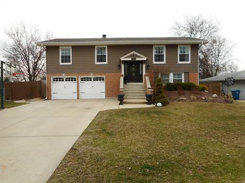 216 Downing, Bloomingdale, IL 60108