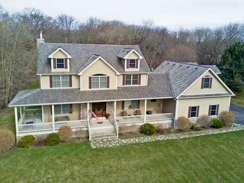 8741 Country Shire, Spring Grove, IL 60081