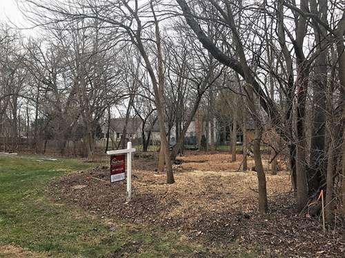 8732 Shade Tree, Lakewood, IL 60014
