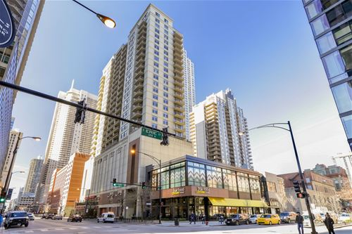 630 N State Unit 1807, Chicago, IL 60654 River North