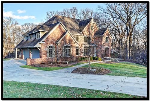 3102 Greenwood, St. Charles, IL 60175