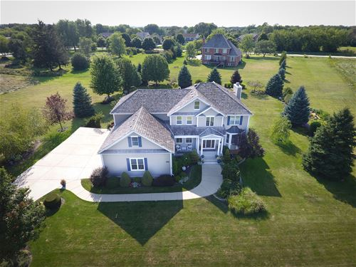 8219 Country Shire, Spring Grove, IL 60081