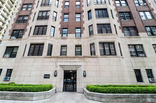 421 W Melrose Unit 11C, Chicago, IL 60657 Lakeview