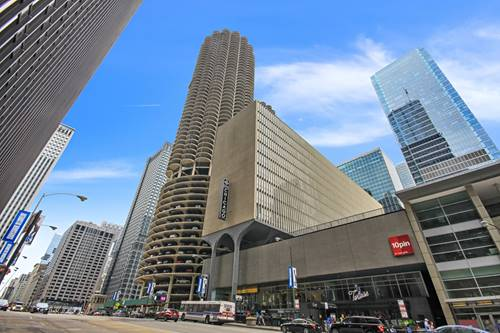 300 N State Unit 2807, Chicago, IL 60654 River North