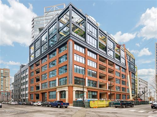 676 N Kingsbury Unit 402, Chicago, IL 60654 River North