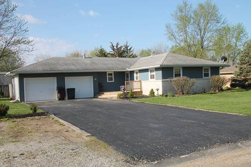 59 Glenbrook, Fisher, IL 61843