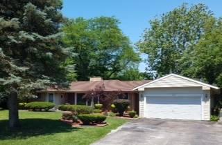10 W Kenilworth, Prospect Heights, IL 60070