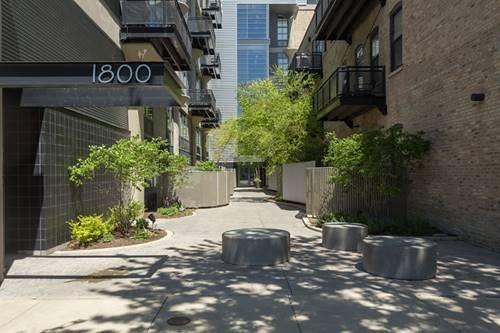 1800 W Grace Unit 525, Chicago, IL 60613 North Center
