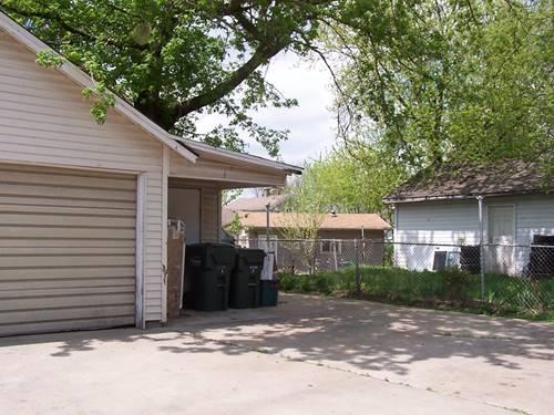 416 N Poplar, Waukegan, IL 60085
