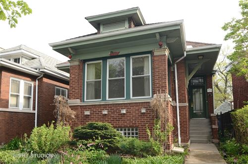 2737 W Sunnyside, Chicago, IL 60625